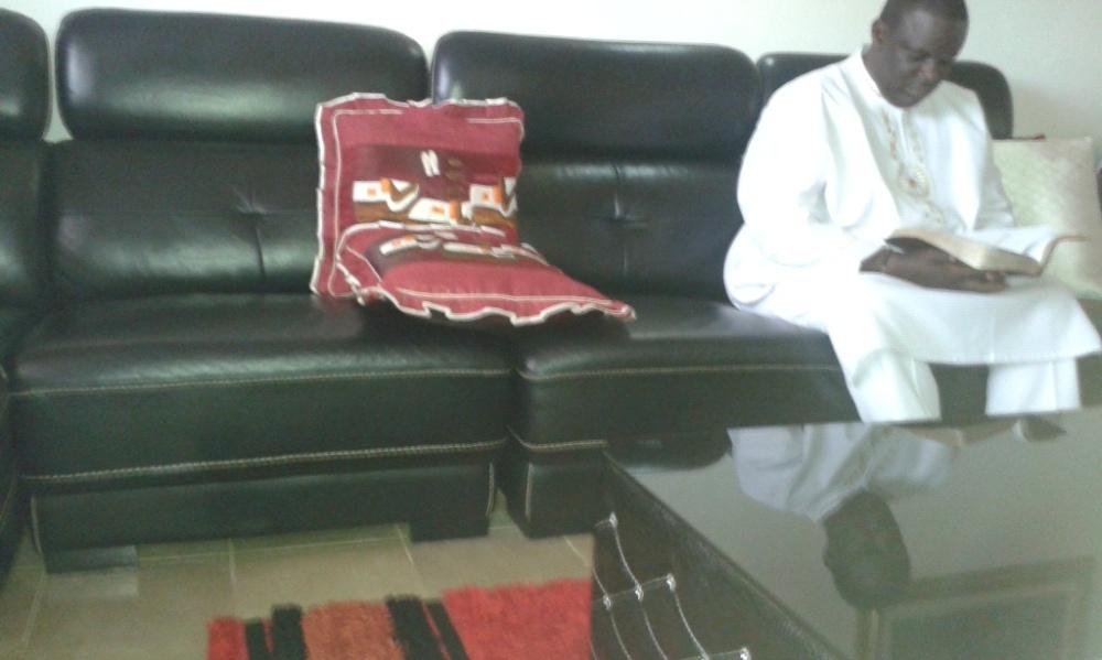 Kivumbi Eanest Benjamin wih Prophet Felix Omondi at Ps Imleda Numutebi Liberty Worship Centre (16)