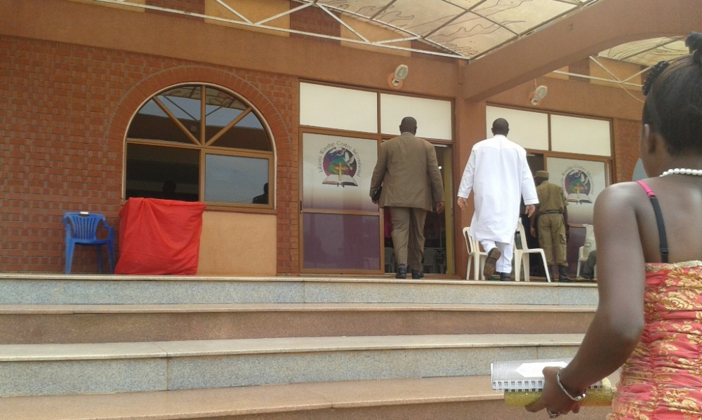 Kivumbi Eanest Benjamin wih Prophet Felix Omondi at Ps Imleda Numutebi Liberty Worship Centre (26)