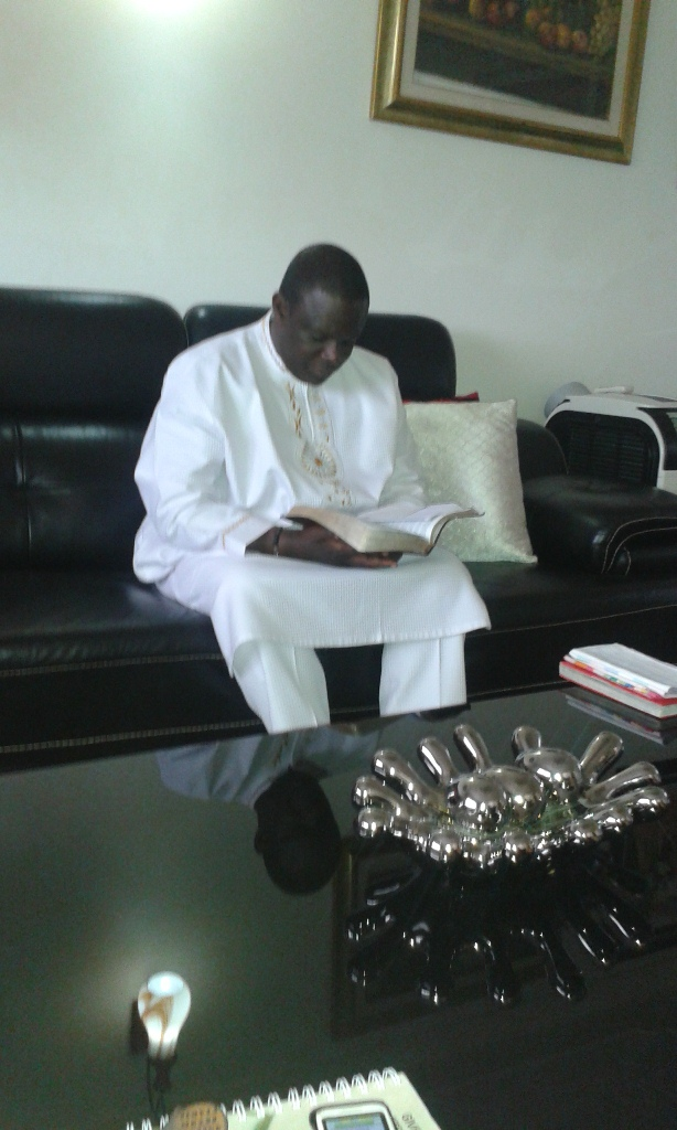 Kivumbi Eanest Benjamin wih Prophet Felix Omondi at Ps Imleda Numutebi Liberty Worship Centre (3)