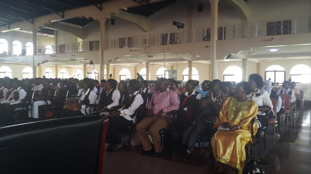 Kivumbi Eanest Benjamin wih Prophet Felix Omondi at Ps Imleda Numutebi Liberty Worship Centre (30)