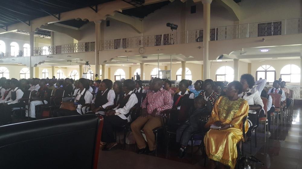 Kivumbi Eanest Benjamin wih Prophet Felix Omondi at Ps Imleda Numutebi Liberty Worship Centre (31)