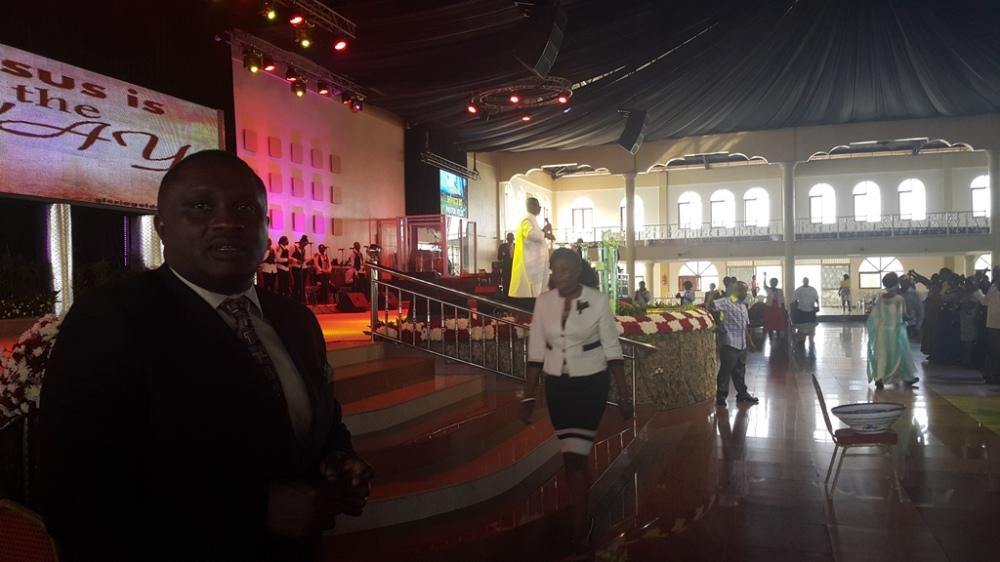Kivumbi Eanest Benjamin wih Prophet Felix Omondi at Ps Imleda Numutebi Liberty Worship Centre (41)