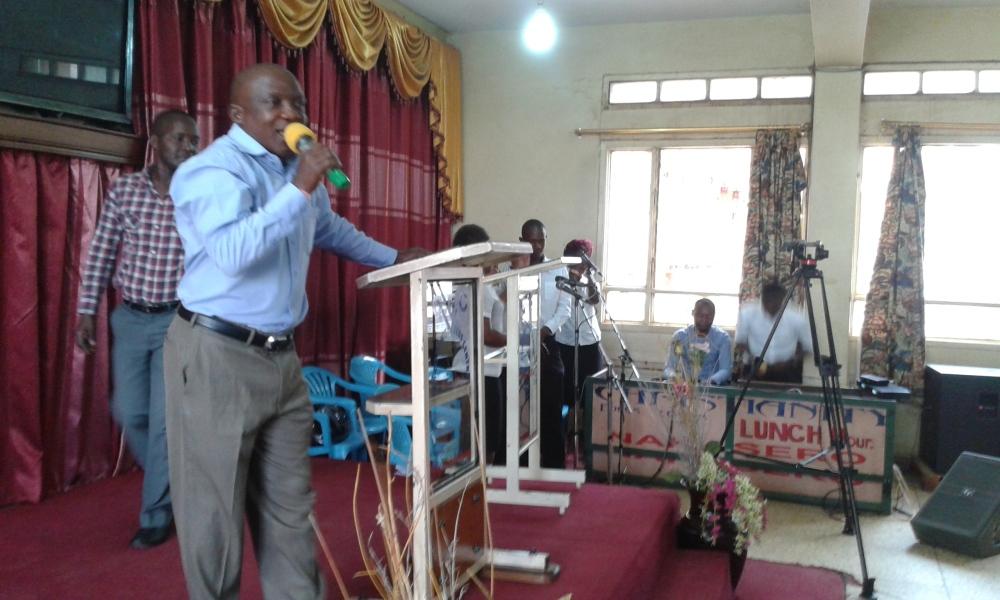 Prophet Felix Omondi at City Lunch Hour Fellowship of Bishop David Kiganda with Kivumbi Earnest Benjamin (6)