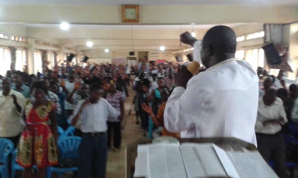 Prophet Felix Omondi at City Lunch Hour Fellowship of Bishop David Kiganda with Kivumbi Earnest Benjamin (9)