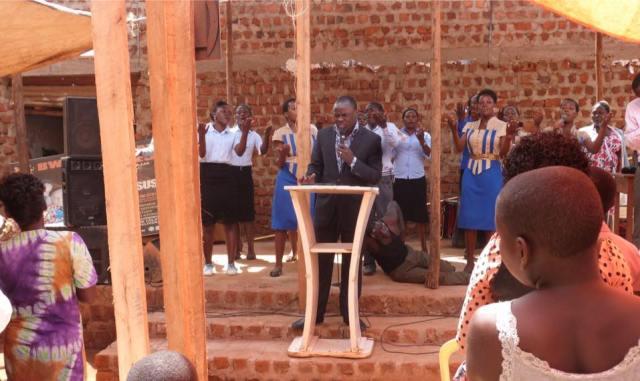Redeemed Church Worship team perfom alongside Ps Bweyinda
