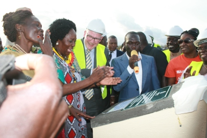 Kivumbi Earnest Benjamin MC as 2nd Fistula Hospital in Africa Starts (46)