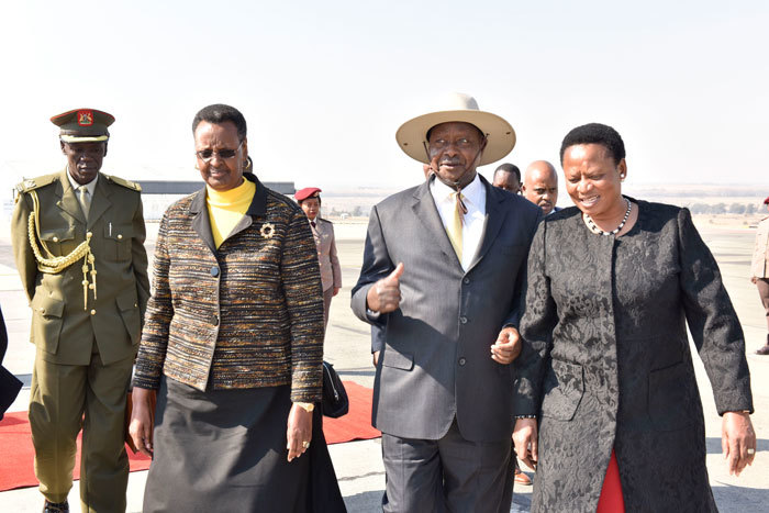 Museveni3a-700x467