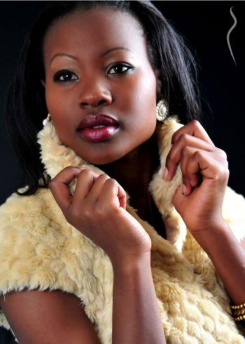 miss-uganda-uk-2013-gladys-kyotungire-22